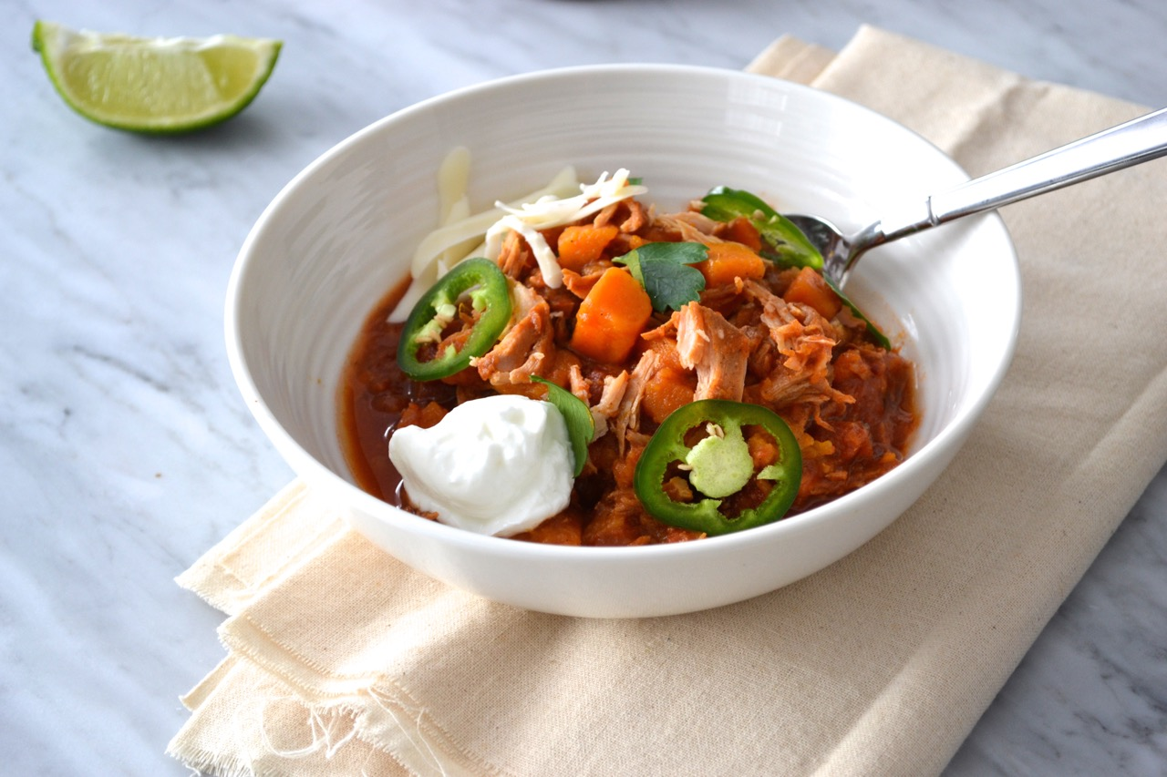 Slow cooker chicken chipotle chili