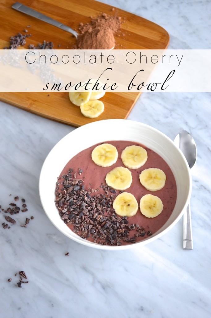 Chocolate cherry smoothie bowl - Text