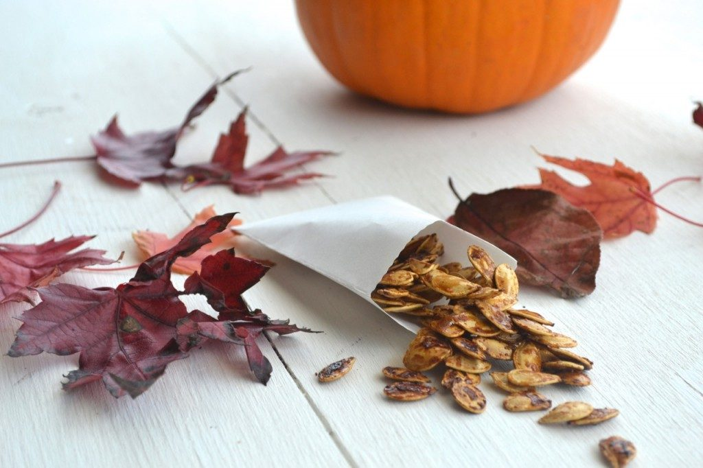 roasted-pumpkin-seeds-1024x682