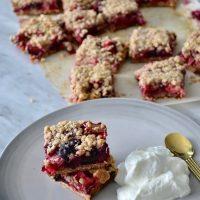 Berry & rhubarb crumble bars