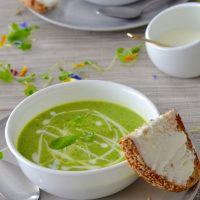 Chilled pea, zucchini and mint soup