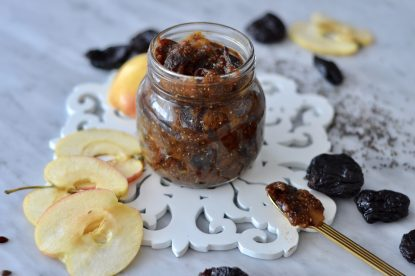 Prune and chia jam to go-go