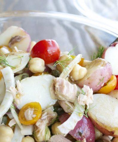 Potato salad with tuna, chickpeas and balsamic vinaigrette