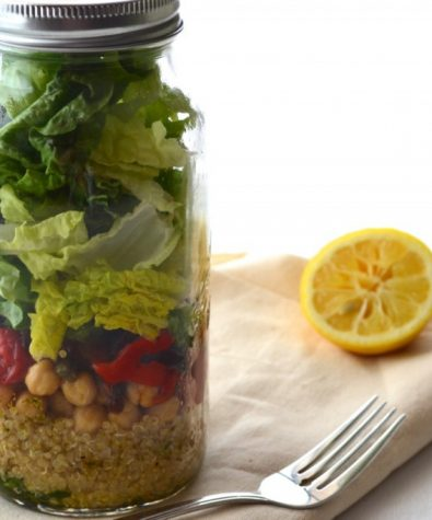 Video Blog: How to cook quinoa + Salad in a jar