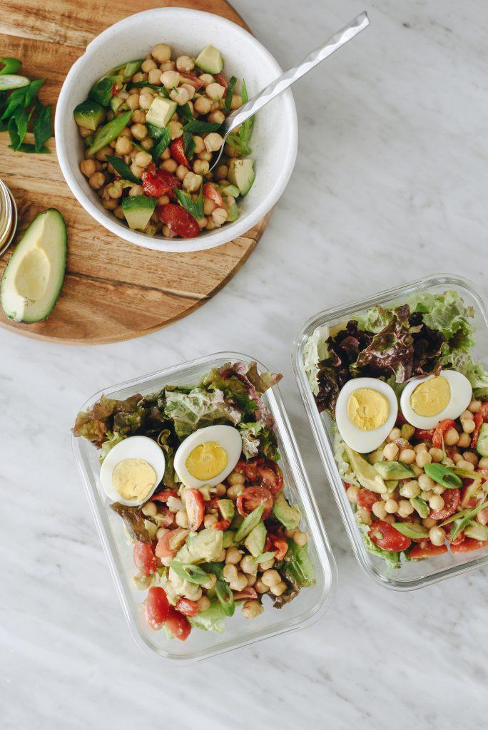Salade de Pois Chiches, Avocat et Oeufs